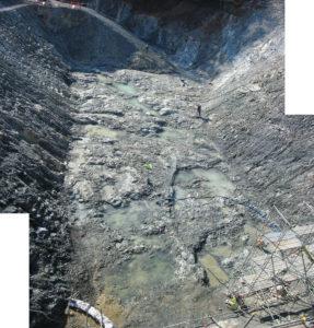 基礎岩盤の観察